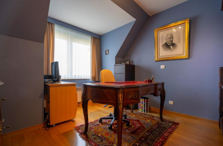 Luxueus appartement te koop in centrum Ieper D8900-19392
